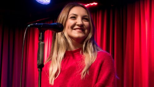 "Julia Michaels Gets Dreamy-Eyed With Boyfriend JP Saxe, But Says His 'All Your Exes' Take Is ""Bulls***"""