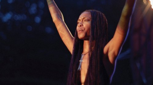 """Erykah Badu's Daughter Stuns In Tiny Corset Top, """"Looks and Sounds Like Mama"""""""