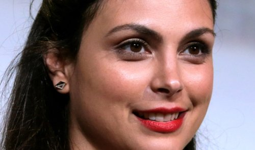 """'Deadpool' Star Morena Baccarin Stuns in Wonder Woman Fantasy Pic, """"Those Sexy Pants!"""""""