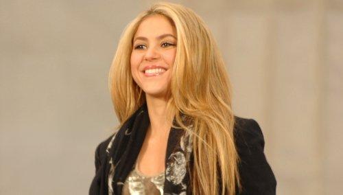 "Shakira, 44, Rocks Tiny ""Teenager"" Ruffle Mini Skirt, Fans Not Sure…"