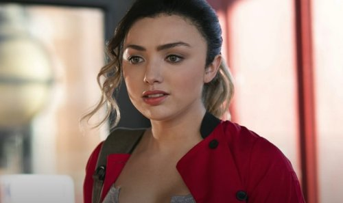 "'Cobra Kai' Star Peyton List Stuns In Ruffle Bikini, ""Sun Kissed Goddess"""