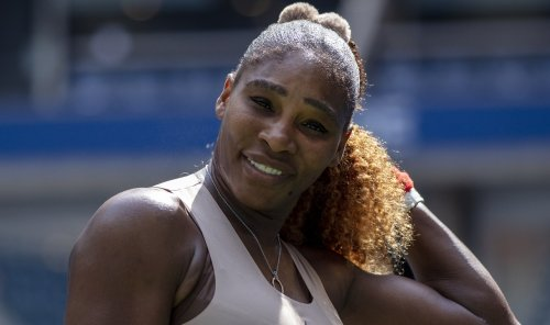 "Serena Williams Stuns In Curve Hugging Sexy Bodycon Dress, ""Zoom In…"""