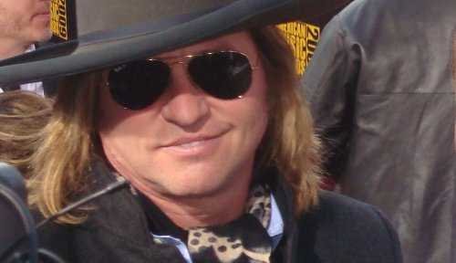 """Val Kilmer Puts On Batman Mask, Fans Freak Out — """"It's Been a While"""""""
