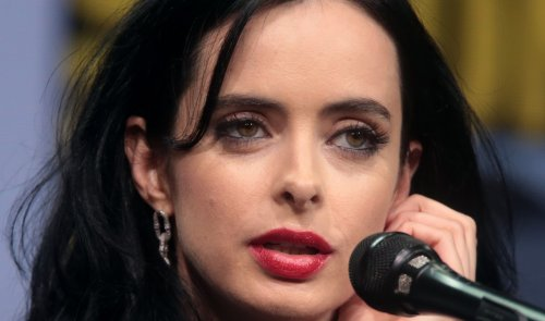 """Marvel's 'Jessica Jones' Star Krysten Ritter Stuns In Plunging Cut-out Swimsuit, """"Thirst Trap"""""""