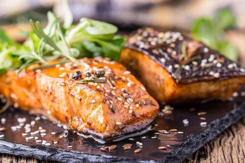 Simple Salmon Recipe: This Honey Sriracha Salmon Recipe Is Sweet, Spicy & Oh, So Easy