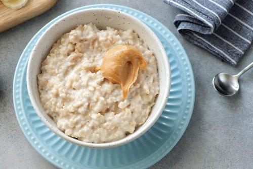 3-Minute Creamy Banana & Peanut Butter Oatmeal Recipe: Eat Like an Olympian!