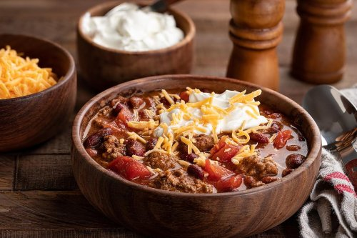 Slow-cooker Chili Recipe: This 5-Ingredient Beer Chili Recipe Is As Easy As 1, 2, 3