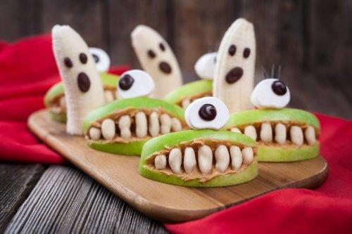 Healthy Halloween Snack Recipes: Make Fun & Easy Spooky Fruit Snacks for Halloween