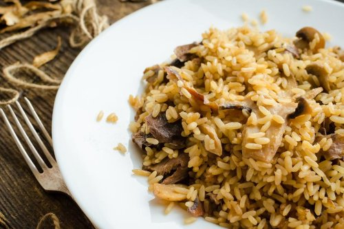 Easy Mushroom Rice Recipe: This Fresh Mushroom, Onion & Garlic Rice Recipe Will Make You Surrender the Box Mix