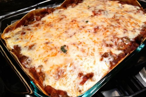 Easy Ground Beef Recipe: This Beef & Bean Enchilada Casserole Recipe Is Dang Delicious