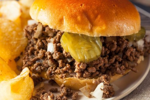 Loose Meat Sandwich Recipe: Take a Trip Back to the '90s With This Nostalgic Sandwich Recipe