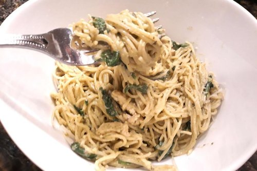 This Creamy Pesto Chicken Spaghetti Recipe With Spinach Is Dinner on a Dime & Fast (10 Minutes!)