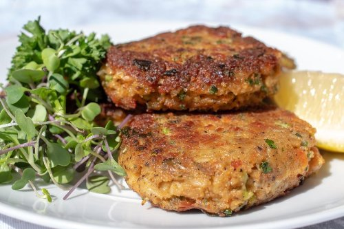 The Best Crab Cakes Recipe: This Easy Old Bay Crab Cake Recipe Is Ready in Less Than 15 Minutes