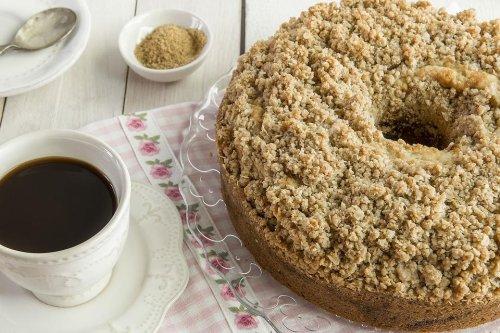 The Best Coffee Cake Recipe: This Easy Cinnamon Streusel Coffee Cake Recipe Is for Cinnamon Lovers