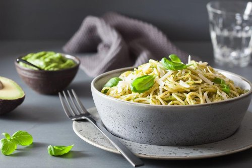 Avocado Pesto Recipe: This Healthy Avocado Spaghetti Recipe Is on the Table in 15 Minutes