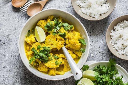 Cauliflower Curry Recipe: Easy 30-Minute Vegetarian Coconut Cauliflower Curry Recipe (It's Vegan, Too!)