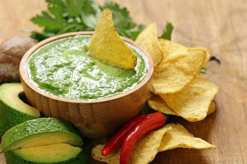 Easy Avocado Tomatillo Dip Recipe: This Tomatillo Avocado Sauce Recipe Makes Everything Taste Better