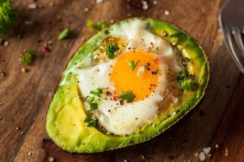 """Best Avocado Recipe: This Baked Eggs Recipe in Avocado With Fresh Herbs Puts the """"Ahhh"""" in Avocado"""