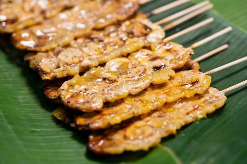 Thai Grilled Bananas Recipe With Coconut Cream Sauce Is a Fun New Way to Grill