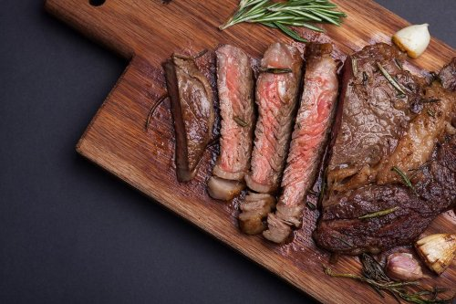 Drool-Worthy Grilled Flank Steak Recipe: This Flank Steak Is Soaked In Honey, Garlic, Rosemary & Olive Oil