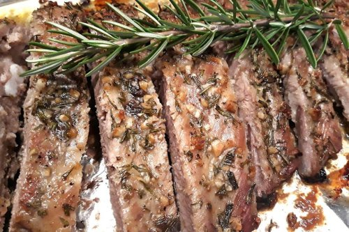 Oven-Baked Garlic & Rosemary Pork Ribs Recipe: These 3-Ingredient Ribs Take 1 Hour to Cook & Smell Heavenly
