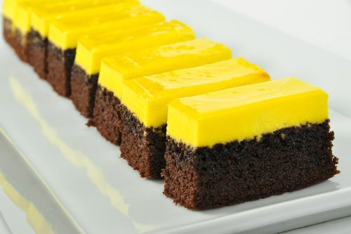 This Easy Chocolate Cake With Lemon Icing Recipe Is a Unlikely Pairing – But It Works