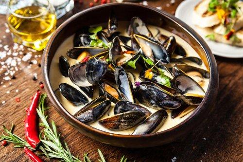 Must-Try Mussels Recipe: Easy Steamed Mussels in Wine Garlic Cream Sauce Recipe