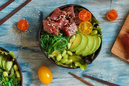 No-Cook Recipes: This Tuna Poke Bowl Recipe With Tamari-Mirin Sauce Is a Cool Dinner Idea | Seafood | 30Seconds Food