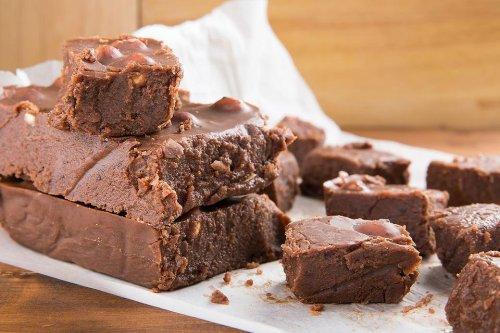2-Ingredient Fudge Recipe: This Delicious Chocolate Fudge Recipe Satisfies That Chocolate Craving Easily | Candy | 30Seconds Food