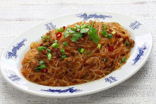 Ants Climbing a Tree (Ma Yi Shang Shu): Sichuan Cellophane Noodle Stir-fry Recipe