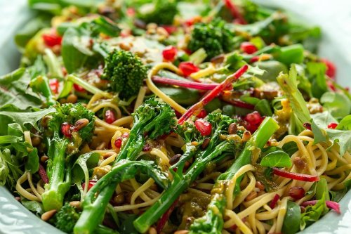 Broccolini & Rice Noodles Recipe: This 15-Minute Asian-Fusion Noodle Recipe Is Good Hot or Cold