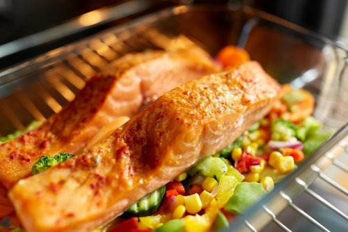 Healthy Salmon Recipes: This Baked Salmon Recipe With Mixed Vegetables Helps You Eat the Rainbow   Seafood   30Seconds Food