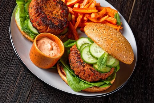Tempeh Veggie Burger Recipe: 3-Ingredient Spicy Harissa Tempeh Patties Recipe