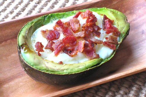 Avocado, Eggs, Bacon? Oh, My! Easy Baked Avocado Recipe for Breakfast