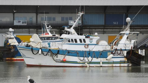 Brexit: France detains British trawler as fishing rights row intensifies