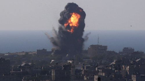 Israeli forces launch air and ground attacks on Gaza as fighting worsens