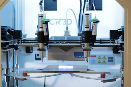 CR-3D entwickelt mit ViscoTec und DELO eine Liquid 3D-Druck-Anlage
