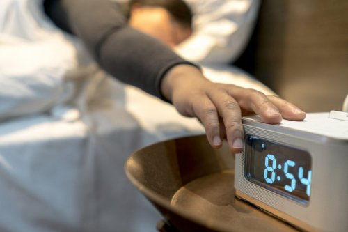 Albertans somewhat split on daylight saving, equalization, poll shows
