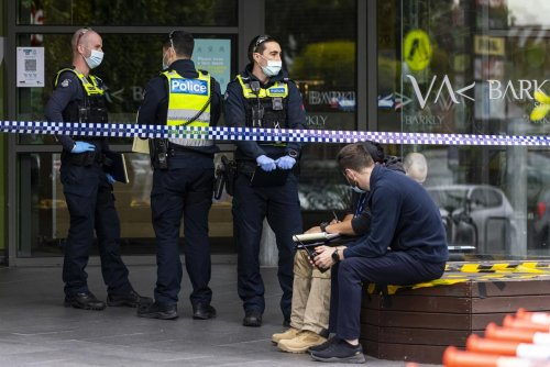 Shopper waiting in checkout queue allegedly attacked at Melbourne shopping centre