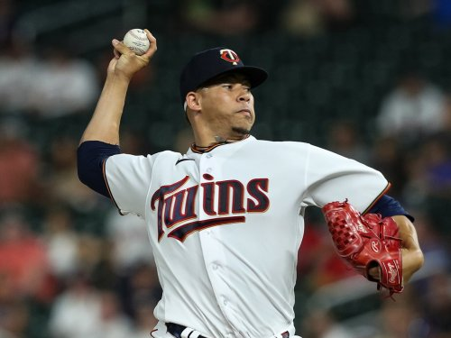 Red Sox acquire reliever from Twins in last-minute deadline trade