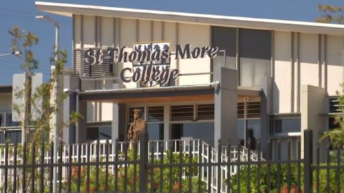 Palaszczuk 'not worried' by new COVID-19 case linked to Brisbane school cluster