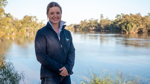 Floods flush away years of drought along Darling River