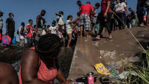 About 10,000 migrants being held under bridge in Del Rio, Texas