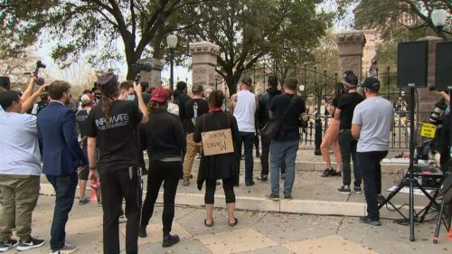 Texas service workers demand vaccine access, protest end to mask order