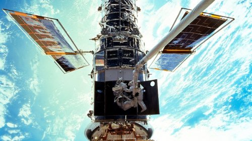 Computer trouble hits Hubble Space Telescope, science halted