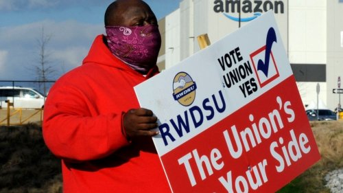 'Treating us like robots': Amazon workers seek union