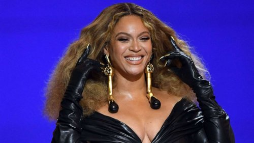 Beyonce is now the performer with the most wins in Grammys history