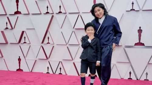 'Minari' actor Alan Kim says he had to walk his dog before the show