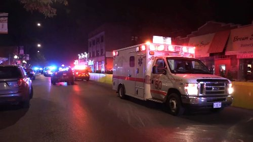 'Mayhem': Chatham shooting leaves 10 shot, 1 dead, Chicago police say