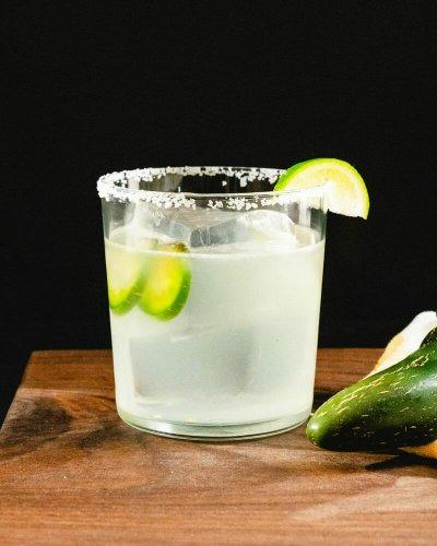 Best Spicy Jalapeño Margarita – A Couple Cooks